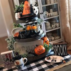 See all of these spooky Halloween tiered trays. I rounded up all of the best Rae Dunn decorated Halloween tiered trays to satisfy everyone's obsession! Halloween Kitchen Decor, Farmhouse Halloween, Halloween House, Fall Halloween, Vintage Halloween, Halloween Bedroom, Halloween Ideas, Halloween Table Decorations, Halloween Displays