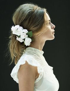 Daisy Chain / Wedding Style Inspiration / LANE