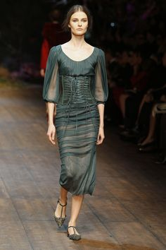 Dolce & Gabbana Women Fashion Show Gallery – Fall Winter 2014 2015 Collection