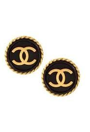 Vintage Chanel gilt, black enamel and doible CC logo. #crave #chanel #vintage #'vintagestyle #vintagejewellery #1960s #1970s #1980s #1950s #jewellery