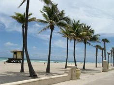 Hollywood, Florida-love the boardwalk here