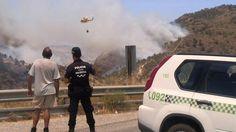 Efectivos del Plan Infomur trabajan en un incendio forestal en el Puerto del Garruchal