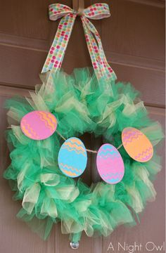 Tulle Easter Wreath #easter #holiday #wreath