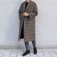 24 mentions J'aime, 1 commentaires – 🔹 We All Love Fings 🔹 (@walf) sur Instagram : « 👍 or 👎 For the look #WALF .. . 🔵 🔵 ------------------------------ Follow >> @walf <<… » Fashion Books, Duster Coat, Street Wear, Normcore, Japan Trip, Street Style, Style Inspiration, Mens Fashion, Jackets