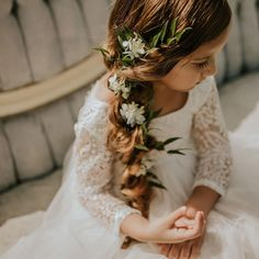 If you have a wedding coming up and your daughter seems like a good fit for a role of a flower girl - you're exactly where you need to be! You can ask... Pigtail Hairstyles, Pigtail Braids, Flower Girl Hairstyles, Braided Hairstyles For Wedding, Short Wedding Hair, Retro Hairstyles, Loose Hairstyles, Gorgeous Blonde, Gorgeous Hair