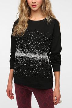 Boxy sweatshirt with white french knots. I could whip this up in a long weekend if I really tried...
