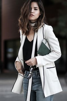 How to wear the same zara blazer that everybody's and their grandma's are wearing this season up on fake leather blog with a casual & chic outfit.