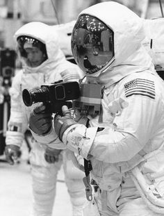 Apollo 11 Hi-Res Pictures Student Interview, Apollo Space Program, Apollo Missions, Neil Armstrong, Apollo 11, Back In Time, Spacecraft, Quality Time, First World