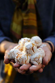 Dorian cuisine.com Mais pourquoi est-ce que je vous raconte ça... : Petit voyage au Maroc et ghoribas à la semoule à la noix de coco et à la vanille…