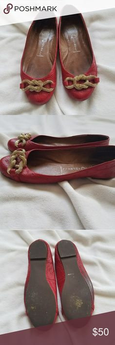 Jeffrey Campbell Ostrich Flats with gold chain Jeffrey Campbell Ostrich Flats with gold chain worn once Jeffrey Campbell Shoes Flats & Loafers