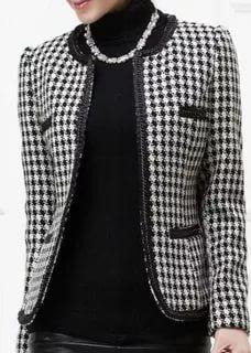 Knit Jacket, Tweed Jacket, Classic Outfits, Chic Outfits, Winter Fashion Outfits, Autumn Fashion, Only Blazer, Chanel Style Jacket, Blazer Jackets For Women