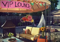"""Party Time: A Coachella-Inspired Night I've never personally been to Coachella, but for a summer party the musical festival is the perfect inspiration. The floral crowns, eclectic environment, and a """"dress-as-you-please� mentalit… Coachella Party Theme, Coachella Birthday, Festival Themed Wedding, Festival Party, Cochella Theme Party, Decor Wedding, Wedding Colors, Wedding Flowers, Party"""