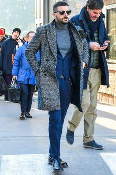 ビジネススーツに合う秋冬コート特集!王道からこなれ感を与えるアウターまでを紹介 | 男前研究所 Suit Fashion, Fashion Outfits, Mens Fashion, Sperrys Men, American Eagle Men, Under Armour Men, Blazers For Men, Adidas Men, Winter Outfits