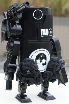 """Night Watch""   World War Robot Portable (WWRP) Series   Artist: Ashley Wood"