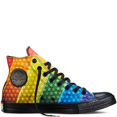 I for real want these shoes, but wish they offered different base-color options. But shout-out to @Converse for celebrating #Pride!