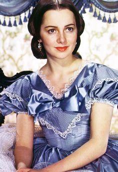 norma-shearer:  Olivia de Havilland publicity portrait for Gone With the Wind (1939)