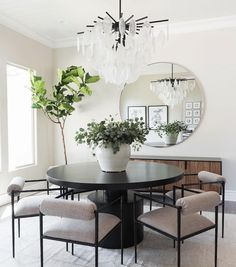 Los Posas - Contemporary - Dining Room - Sacramento - by Design Shop Interiors Dining Table Design, Modern Dining Table, Dining Table In Kitchen, Elegant Dining, Black Dinning Room Table, Mirrors In Dining Room, Circle Dining Table, Granite Dining Table, Black Round Dining Table