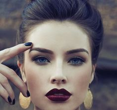Your eyebrows frame two of your face's most important features. You spend time sweeping on the right eye shadows, liner and mascara, so shape and define your brows to complete the look. You'll need to keep your brows waxed or plucked into the shape you want, and then use brow makeup to finish contouring them. …