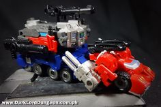 """""""Awesome ends in 'Me!' That is all"""" Check out the Iron Factory IF EX-14 Ultimate Commander in the Dungeon  #Transformers #IronFactory #IFEX14 #UltimateCommander #OptimusPrime #GodGinrai #Toy #Review"""