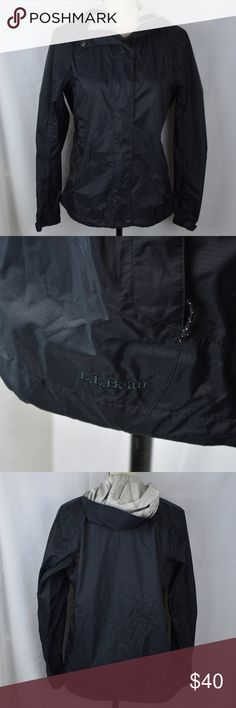 LL Bean Discovery Rain Jacket Black Hooded Coat S How classic! This LL Bean discovery rain jacket is very light weight and packable. It is full zip and has a hood. It is perfect for rainy spring weather!  ~Women's Size Small ~Nylon Feel free to ask questions! L.L. Bean Jackets & Coats