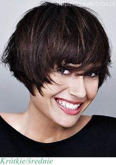 krótkie średnie włosy fryzury medium short hair hairstyle 2012