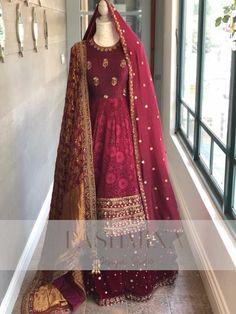 Photo By Pashmina Design Studio - Bridal Wear Indian Bridal Fashion, Pakistani Bridal Wear, Pakistani Dress Design, Pakistani Outfits, Indian Outfits, Bridal Suits Punjabi, Bridal Lehenga, Designer Party Wear Dresses, Kurti Designs Party Wear