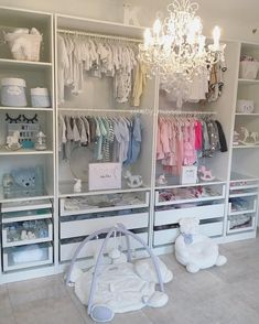"""Mi piace"": 4,401, commenti: 12 - Princess Mayssa & bb Kaïs (@baby_mayssa) su Instagram: ""I love their dressing #style #luxury #babyroom #kidsroom #roomtour #baby #instahome #pinknursery…"""