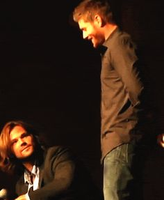 [GIF] Don't know exactly what's going on here but they're so cute and look! Jensen is taller than Jared! ;)