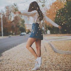 64 Ideas Fall Photography Girl Poses For 2019 Cute Instagram Pictures, Instagram Pose, Cute Fall Pictures, Autumn Photography, Fashion Photography, Bild Girls, Inspiration Photoshoot, Autumn Instagram, Insta Photo Ideas