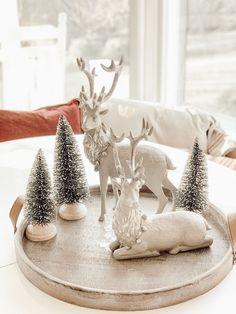 Hallstrom Home: How to Keep it Simple this Christmas Season/Home Tour Elegant Christmas Decor, Silver Christmas Decorations, Minimal Christmas, Christmas Mood, Christmas Centerpieces, Rustic Christmas, Christmas Crafts, Christmas Home Decorating, Xmas