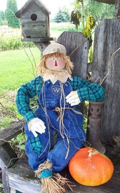 Fall Scarecrow  34 inches. $38.00, via Etsy.