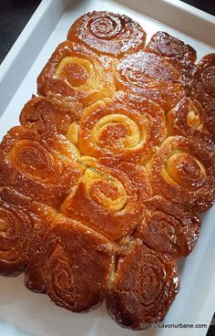 cum se face cuib de viespi cozonac cu unt si caramel rosenkranz Pastry And Bakery, Pastry Cake, Cake Recipes, Dessert Recipes, Desserts, Focaccia Bread Recipe, Good Food, Yummy Food, Romanian Food