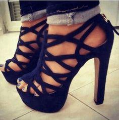 Black heels <3 sexyyyyy
