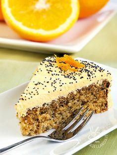 Ottima questa Torta di mandorle con crema al burro all'arancia! Quando all'aroma delle mandorle si unisce il profumo degli agrumi, il palato non resiste!