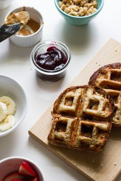 Breakfast + Lunch= The Ultimate Waffle-Grilled Sandwich |  #WhattheHack?