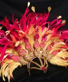 Beautiful detailed custom headpiece made to fit your dimensions. Contains an assortment of feathers in the colors of fire. The price includes one Carnival Fashion, Carnival Outfits, Costume Carnaval, Samba Costume, Dance Outfits, Dance Dresses, Caribbean Carnival Costumes, Fire Costume, Burlesque