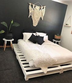 50 Cheap DIY Ideas for Wooden Pallet Beds: These beds are entirely presented for. - 50 Cheap DIY Ideas for Wooden Pallet Beds: These beds are entirely presented for the wonderful rela - Wooden Pallet Beds, Diy Pallet Bed, Pallet Bed Frames, Bed Pallets, Bed Made Out Of Pallets, Wooden Bed Frame Diy, Pallet Patio, Pallet Ideas For Bedroom, Cool Bed Frames