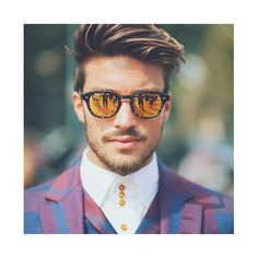 Amazing style by mariano di vaio. Popular Haircuts, Haircuts For Men, Mens Haircuts Round Face, Popular Mens Hairstyles, Hairstyles Haircuts, Hairstyles For Round Faces, Cool Hairstyles, Latest Hairstyles, Undercut Hairstyles