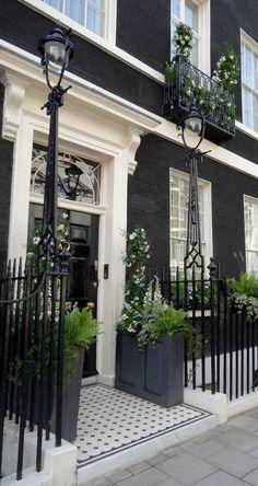 Fashion,Beauty,Landscape,Home Designe,Sexy Girls. Interior Exterior, Exterior Paint, Exterior Design, Townhouse Exterior, London Townhouse, London House, Georgian Homes, Georgian Townhouse, White Cottage