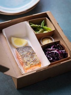 Our commitment to freshness: Sea to plate in 24 hours