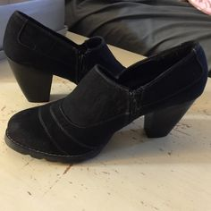 Black Booties Ciara by Cloudwalkers. Size 11w, black suede. See photos. Cloudwalkers Shoes Ankle Boots & Booties