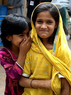 Friendship (and laughter) is good for the soul! Beautiful Smile, Beautiful Children, Beautiful World, Beautiful People, Just Smile, Smile Face, Your Smile, Smiling People, Happy People