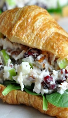 Chicken Salad with Cranberries, Apples, and Pecans. This is the best chicken sal… Chicken Salad with Cranberries, Apples, and Pecans. This is the best chicken salad recipe! I could eat this sandwich at every meal. Lunch Recipes, Dinner Recipes, Cooking Recipes, Healthy Recipes, Sandwich Recipes, Salat Sandwich, Soup And Sandwich, Best Chicken Salad Recipe, Chicken Recipes
