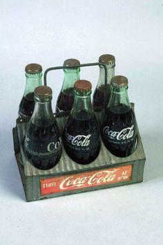 Metal Coca-Cola six pack carry case