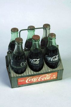 Metal Coca-Cola six pack carry case