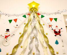 スノーマンペーパファン クリスマスパーティーの飾り付け クリスマスツリー サンタのペーパーファン Christmas Time Is Here, Christmas 2019, Kids Christmas, Christmas Crafts, Christmas Ornaments, Christmas Backdrops, Christmas Party Decorations, Alternative Christmas Tree, Xmas Tree