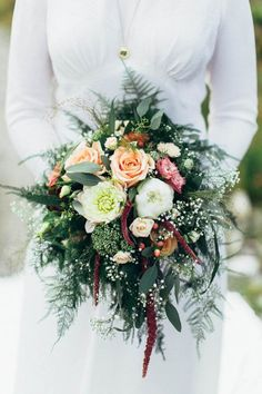Gorgeous overgrown bridal bouquet | Michaela Klouda Photography