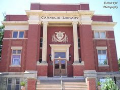 Carnegie Library at 203 N. Main in Newton Kansas. Built in 1903 and is one of 59 libraries built in Kansas by grants from Andrew Carnegie. Newton's grant was $16,000. In 1973 it became the Harvey County Historical Museum. Newton Kansas, Carnegie Library, Kansas Usa, Andrew Carnegie, Public Libraries, Historic Architecture, Local History, Work Travel, Kentucky
