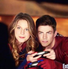 That's Supergirl. That's The Flash. They are AWESOME!