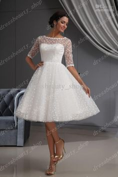 2013 Elegant Dotted Tulle Lace Hem Short Knee Length Wedding Dresses Ball Gown Beach Long Sleeves